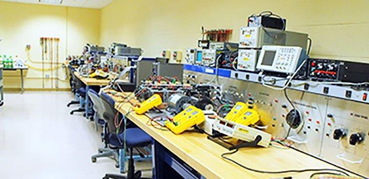 как собрать робота в лаборатории