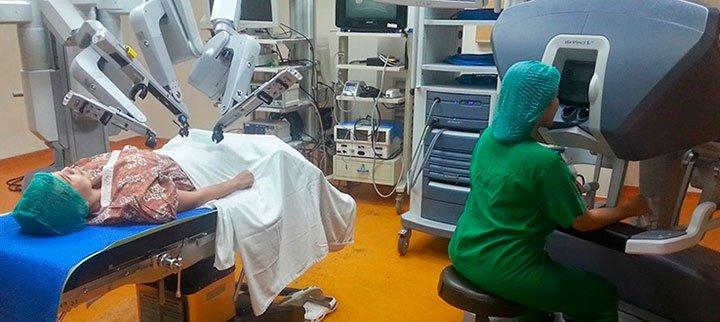Операция робот хирург да Винчи